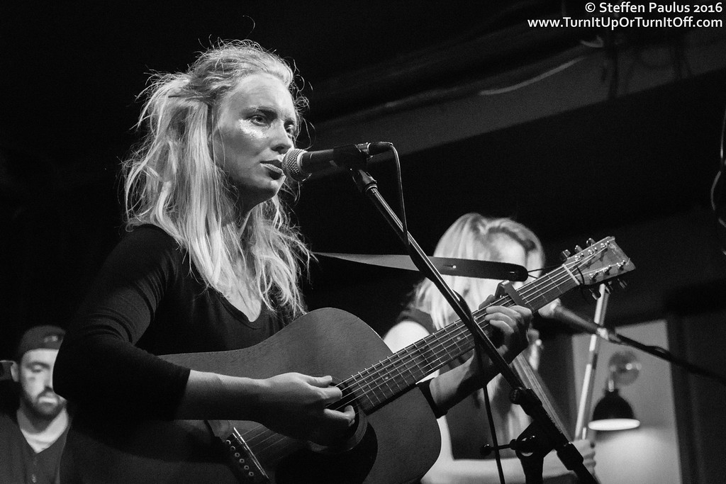 Skye Wallace @ Burdock Music Hall, Toronto, ON, 29-October 2016