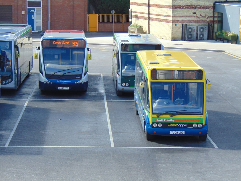 Stagecoach Norfolk Green Coastliner Optare Solo YJ09LBG 47908 with Versa YJ58VCC 25268 in Kings Lynn on the 505.