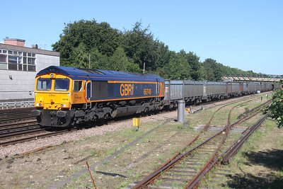 66748 Basingstoke 26/08/16 4Y19 Mountfield to Southampton Western Docks