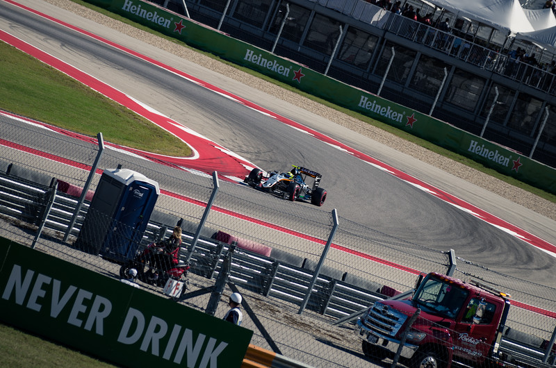 Sahara Force India's Sergio Perez pushes to the limit during the second round of qualifying. Saturday, October 22, 2016. United States Grand Prix. Circuit of the Americas, Turn 14. Austin, Texas.