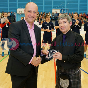 Ian Brownlee receives the Sunday Mail Local Club of the Year Award, Oriam, Heriot Watt University, Edinburgh, Wed 21st Dec 2016. © Michael McConville http://www.volleyballphotos.co.uk/2016/CEVFIVB/20161221-CoE-Viking