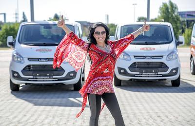 2016-08-30 Charitativní sbírka Globusu přinesla 22 vozů