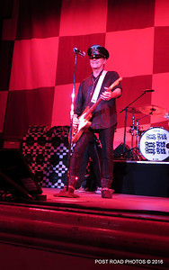 20161101-cheap-trick-ridgefield-playhouse-Robin-Zander-004