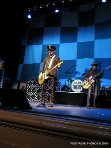 20161101-cheap-trick-ridgefield-playhouse-Robin-Zander-Tom-Petersson-004