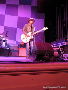 20161101-cheap-trick-ridgefield-playhouse-Tom-Petersson-005