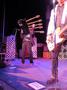 20161101-cheap-trick-ridgefield-playhouse-Rick-Nielsen-012