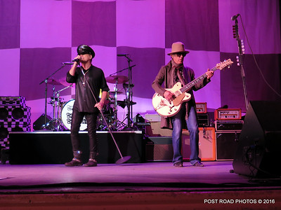 20161101-cheap-trick-ridgefield-playhouse-Robin-Zander-Tom-Petersson-002