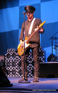 20161101-cheap-trick-ridgefield-playhouse-Robin-Zander-006
