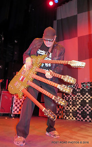 20161101-cheap-trick-ridgefield-playhouse-Rick-Nielsen-016