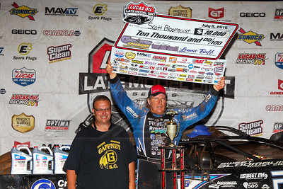 Track promoter Lenny Buff (L) and Scott Bloomquist (R)