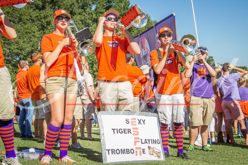 clemson-tiger-band-louisville-2016-18