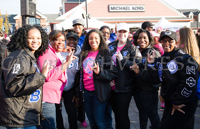 The women of Zeta Phi Beta Sorority Inc joined thousands of people, including cancer survivors, their families and businesses, in the annual American Cancer Society Making Strides Against Breast Cancer walk at Woodbury Common Premium Outlets in Central Valley, NY on Sunday, October 16, 2016. Hudson Valley Press/CHUCK STEWART, JR.
