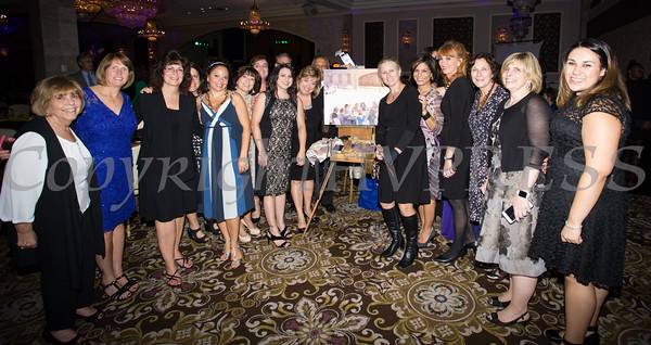 Live event artist Janet Howard-Fatta offered a unique silent auction item as Safe Homes of Orange County celebrated its 30th Anniversary with a Celebration of Hope Gala on Friday, October 21, 2016. Hudson Valley Press/CHUCK STEWART, JR.