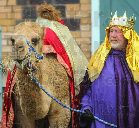 MET 120316 MANSHIP CAMEL