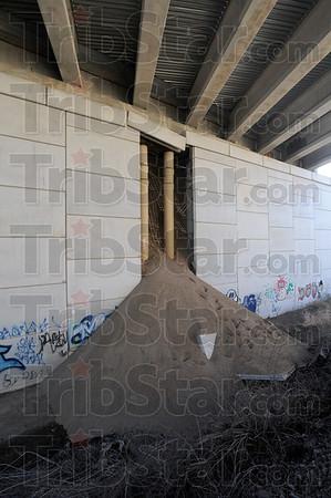MET122716overpass fail sand