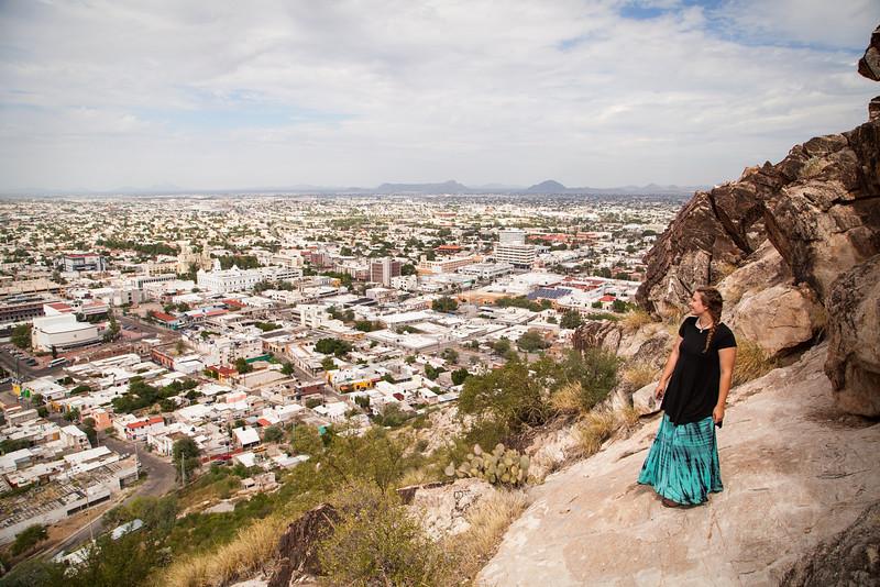 Hermosillo, Mexico, falls away under the scenic Cerro Campaña viewpoint.