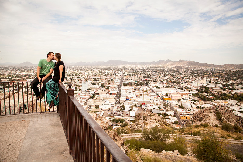 Hermosillo, Mexico, falls away under the scenic Cerro Campaña viewpoint.
