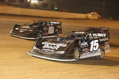 Darrell Lanigan (15) and Casey Roberts (101)