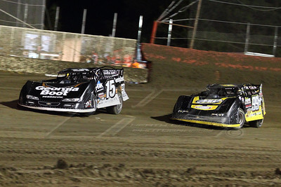 Darrell Lanigan (15) and Devin Moran (99M)