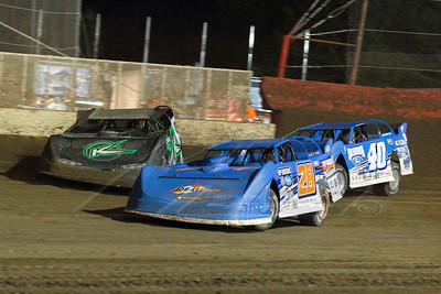Dennis Erb, Jr. (28), Freddie Carpenter (K) and Kyle Bronson (40B)