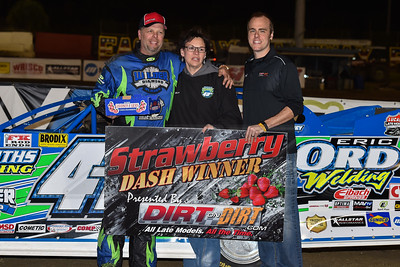 DirtonDirt.com Strawberry Dash winner Chad Hollenbeck