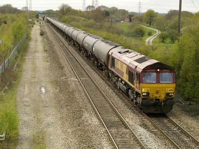 66199 1228-6e54 Kingsbury-Humber passes Stenson Junction   28/04/16.
