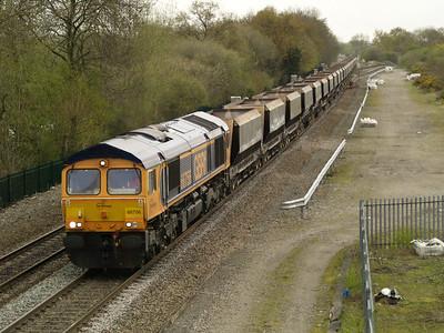66756 1303_6m83 Tinsley-Bardon passes Stenson Junction   28/04/16.