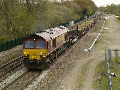 66164 1300_6x01 Scunthorpe-Eastleigh passing Stenson Junction  28/04/16.