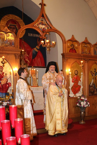 Fr. Scott Richard Receiving the Offikion of Economos