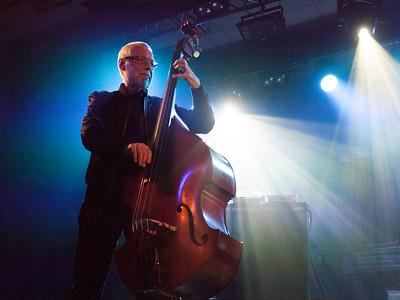 Introduksjon - Dave Holland Trio