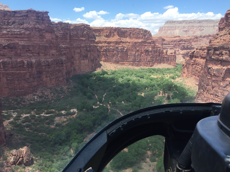 126d Helicopter ride down canyon 3