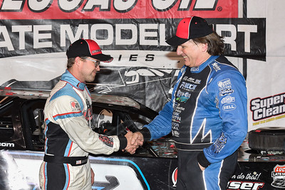 Scott Bloomquist (R) congratulates winner Gregg Satterlee (L)