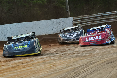 Glenn Elliott (5E), Earl Pearson, Jr. (1) and Darrell Lanigan (15)