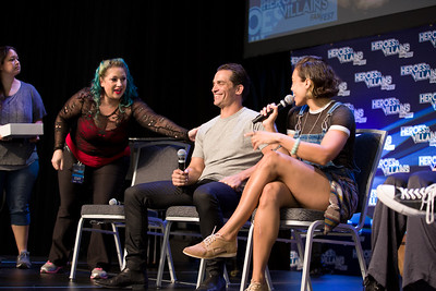 #HVFF @caitylotz @CiaraRenee8 @BrandonJRouth @JohnSchaech  LEGENDS OF TOMORROW:Brandon Routh, Caity Lotz,  Ciara Renee, Jonathan Schaech