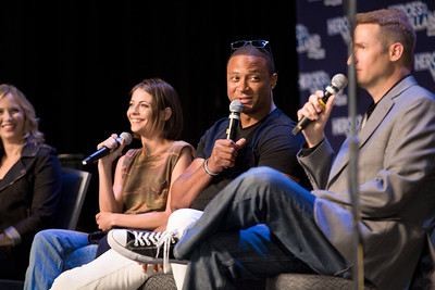 #HVFF @david_ramsey @Willaaaah @amygumenick @HeroesFanFest Amy Gumenick, David Ramsey, Willa Holland