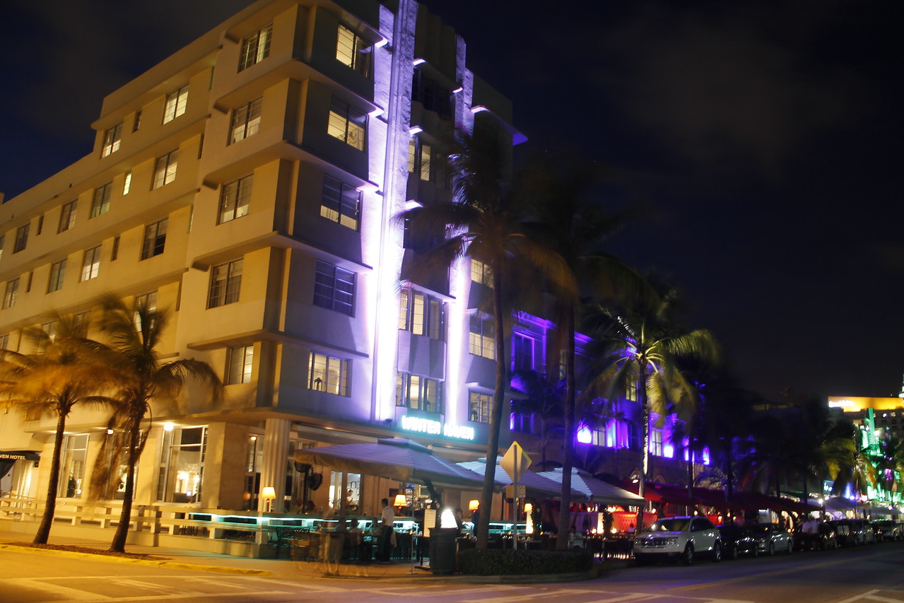 Art Deco by night