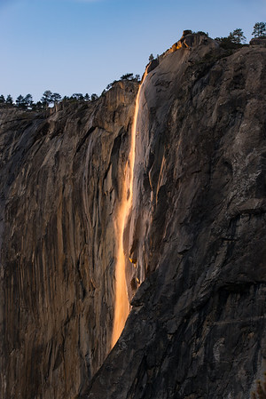 Horsetail Fire Falls is now a nice glowing orange!