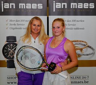 04a. Elisabeth Andryukhova and coach - ITF Heiveld junior indoor open 2016