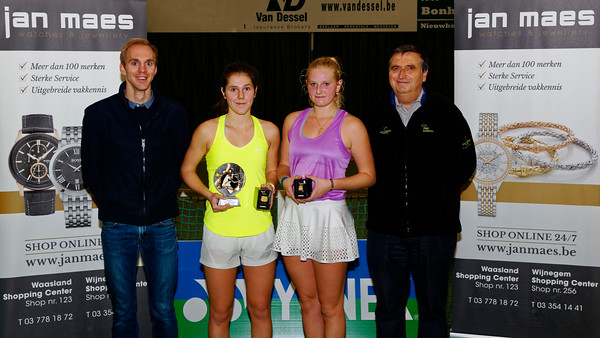 03. Finalists girls - ITF Heiveld junior indoor open 2016
