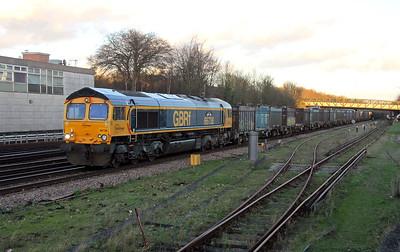 66738 Basingstoke 07/01/16 4Y19 Mountfield to Southampton Western Docks