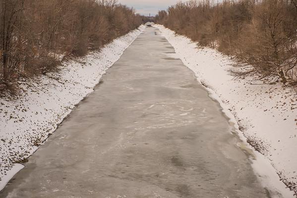 JOED VIERA/STAFF PHOTOGRAPHER Lockport, NY-Ice covers the Canal.