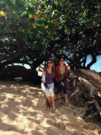 Julia and Geraldine in Waikiki