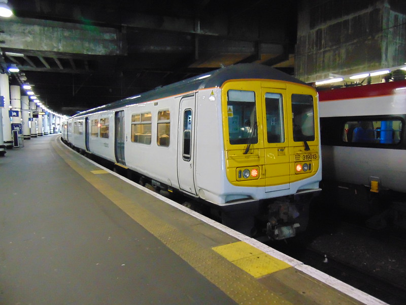 London Midland Class 319 no. 319013 at London Euston.