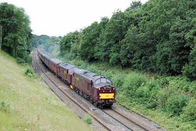 West Coast Railways' 37668 + 37516 approach Goose Hill, Normanton, with the morning 1Z25 0655 'Scarborough Spa Express' from Carnforth to Scarborough (07/07/2016)