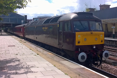 Having picked up the last of its passengers, 47851 waits to depart from Chester with West Coast Railways' 1Z44 0614 Harrogate - Blaenau Ffestiniog charter (13/07/2016)