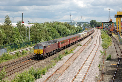 57313 passes Stourton Freightliner Terminal with 5Z76 1300 York Yard North - Carnforth Steamtown ECS move. 57316 was on the rear, the train having been used for Saltburn Railtours' weekend excursion to Bournemouth (05/07/2016)