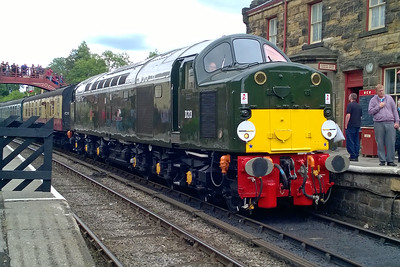 40013 'Andania' waits to cross a southbound train at Goathland whilst working 1T14 1200 Pickering - Whitby during the NYMR's 'Swinging Sixties' event (03/07/2016)