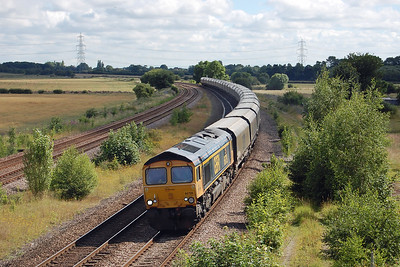 66739 'The Bluebell Railway' sweeps round the curve at Burton Salmon with 6H12 0625 Tyne Coal Terminal - Drax AES (14/07/2016)