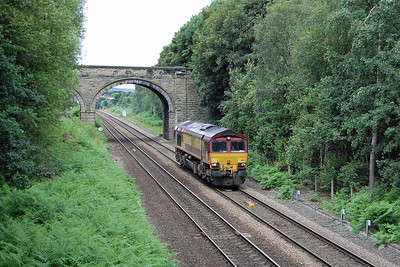 66172 follows closely behind on its way to Doncaster running as the 1135 Wakefield Europort to Belmont Down Yard (07/07/2016)