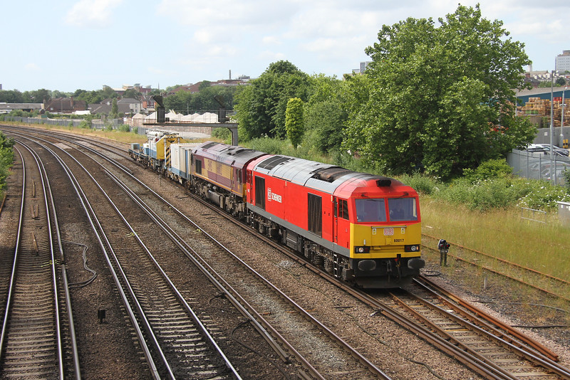 60017 St Deny's 6O41 Westbury to Eastleigh with 66102